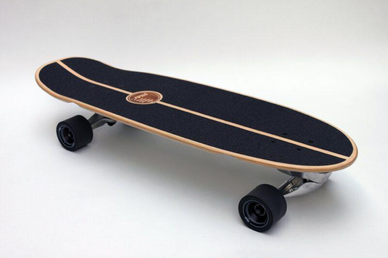 GUSSIE TRIANGU 31  by Slide Surf Skateboard